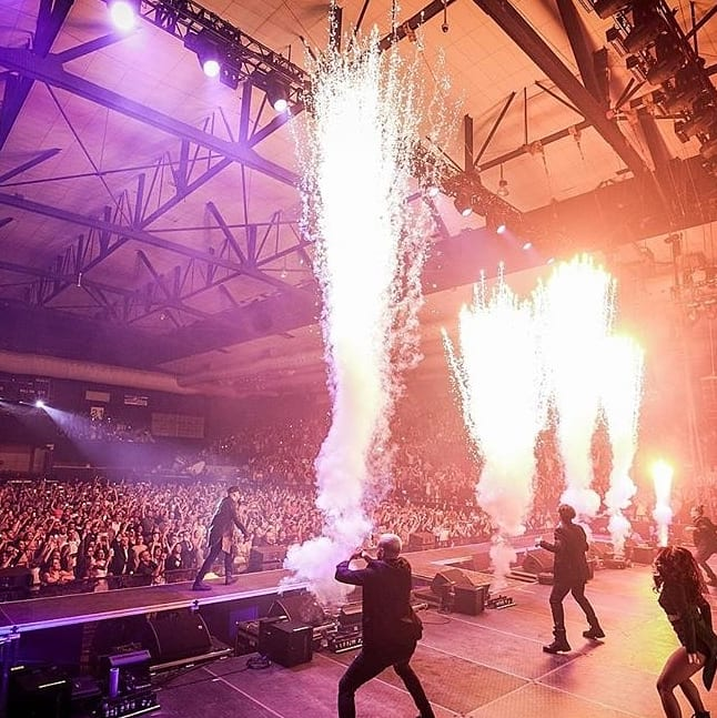 Wisin & Yandel Como Antes Tour Special Effects, pyrotechnics, flames CO2 Jets Confetti